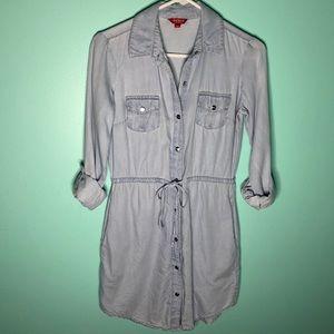 Guess Chambray Button down dress shirt Sz XS